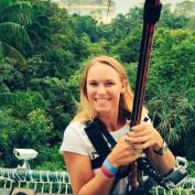 caroline-wozniacki-holidays-singapore-sentosa-island-greenland-mega-zip-twitter-fun